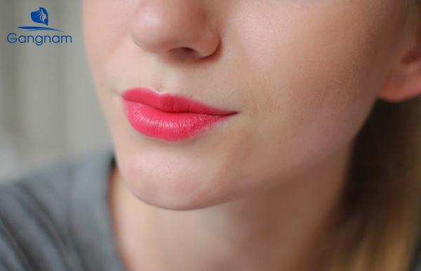 Phun môi collagen màu nào đẹp?